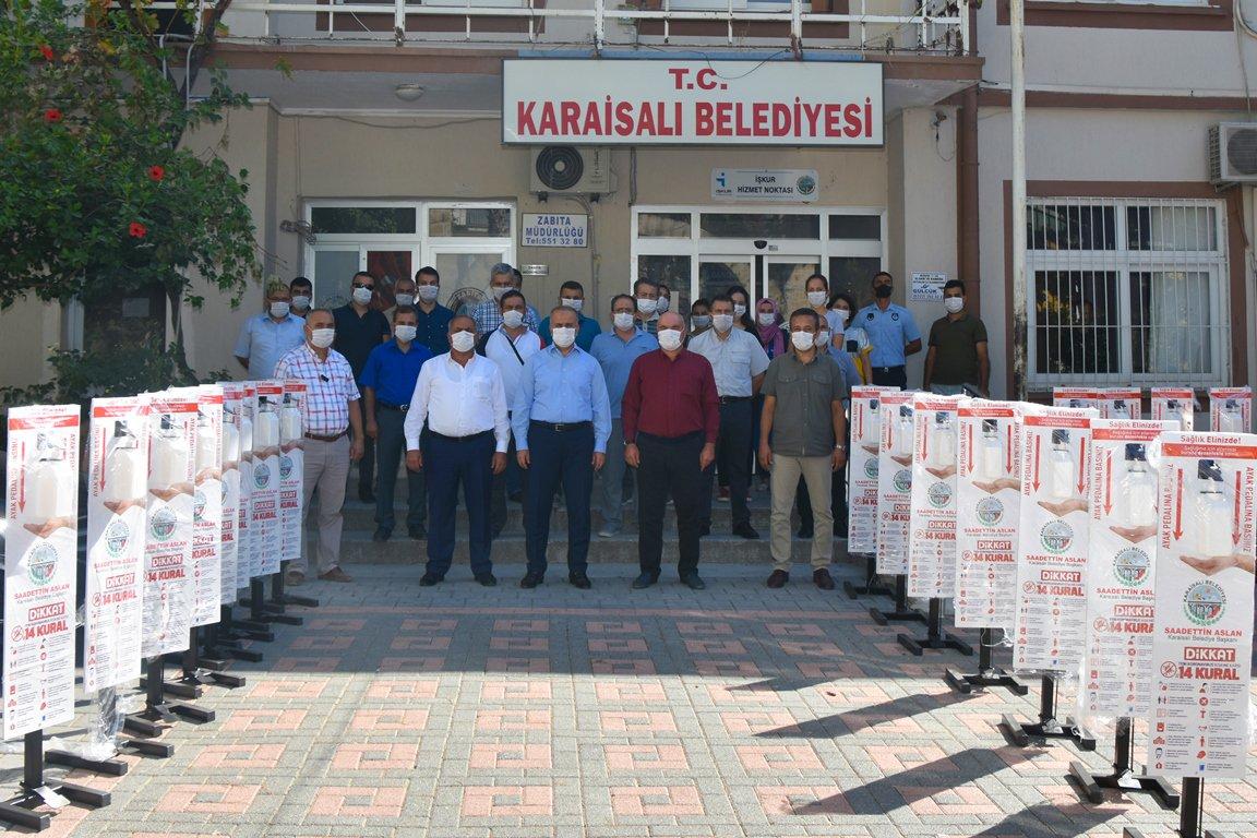 Karaisali'da Okullara Dezenfektan Makinasi Dagitildi (2)