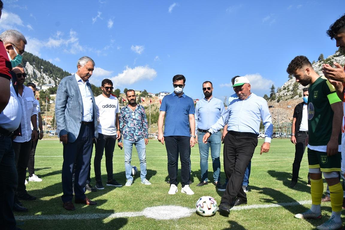 Kizildag Yaylasi'nda Futbol Soleni Basladi (1)