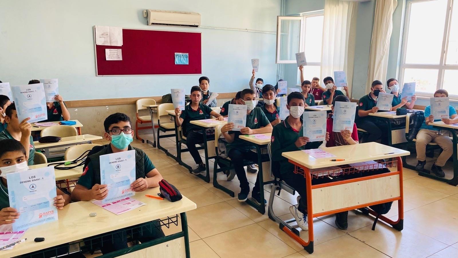 Karaisali Belediyesi Okullarda LGS Deneme Sinavi Yapti (3)